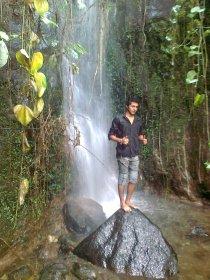 Sendero pesmas cascada